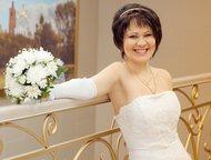 Свадебное платье Продаю свадебное платье 42-46 размера (за счет шнуровки), не венчанное. Шубка и кольца в подарок. Торг уместен., Арзамас - Свадебные платья