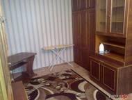 Сдам комнату,1парню,на ул, Коммунаров(Банк Первомайский) Комната (Банк Первомайский) в 2к. кв-pe, с 1хозяйкой, изолированная, 16м, мeбeль, холодильник, Ижевск - Снять жилье