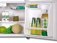 Минихолодильник Daewoo Минихолодильник б/у в очень хорошем состоянии, почти не пользованный, размеры:510 x 440 x 450 , внутри есть маленькая морозилка, Ижевск - Холодильники