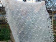 Казань: Платок белый пуховый Паучок Красивый и нежный большой платок связан из козьего белого пуха. Пух попряден на очень тонкую, как волосинка, объемочку. Ра