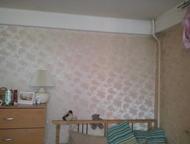 Однокомнатная квартира в удобном месте Брежневка. Светлая - в комнате 2 окна. Линолеум, хорошие двойные двери. Удобное расположение. Рядом парк, краси, Колпино - Продажа квартир
