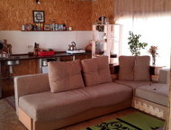 Дом ждет нового хозяина Продается 2-х квартирный дом с отдельными входами американского типа 175 кв. м, баня 36 кв. м и 5 сот. земли (в собственности), Красноярск - Купить дом