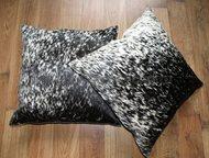 Москва: Декоративные подушки из шкур коров, лисы и чернобурки На страницах интернет магазина ковров и шкур ООО «Эль Гаучо» также представлены декоративные под