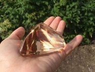 Топаз природный Топаз природный, цвет коричневый. Вес\карат 1180.   Натуральный топаз - вторая группа ювелирных драгоценных камней. Этот камень был по, Москва - Коллекционирование
