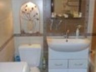 Тула: Продам 3 комн, КВ, Продается 3х комнатная квартира на 4/5 эт. кирпичного дома.   В хорошем состоянии, с/у совм. , вся сантехника новая, хорошие деревя
