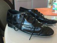 Танцевальные ботинки для мальчика Продаются танцевальные ботинки для мальчика лакированные мало б/у р-35 лакированные 89219322848 Оксана цена 2000руб, Санкт-Петербург - Спортивная обувь
