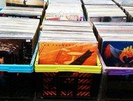 Санкт-Петербург: Фирменные виниловые пластинки из Швеции 10000 фирменных виниловых пластинок-ac-dc, aerosmith, beatles, black sabbath, dio, deep purple, geordie, king