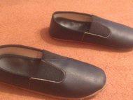 Детские чешки Продам детские чешки черного цвета, состояние отличное, одевали один раз на выступление, размер 18 (возраст 5-6 лет) цена 100 рублей, Тюмень - Детская обувь