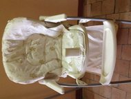Продается детский столик Детский раскладной столик в хорошем состоянии, светло - бежевого цвета. Фирменное, Тольятти - Детская мебель