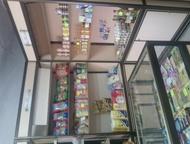 продам оборудование для магазина Продам торговое оборудование витрины, стеллажи, тумбы всего 12предметов. Также продам витринный холодильник все в отл, Волгоград - Мебель и интерьер - разное