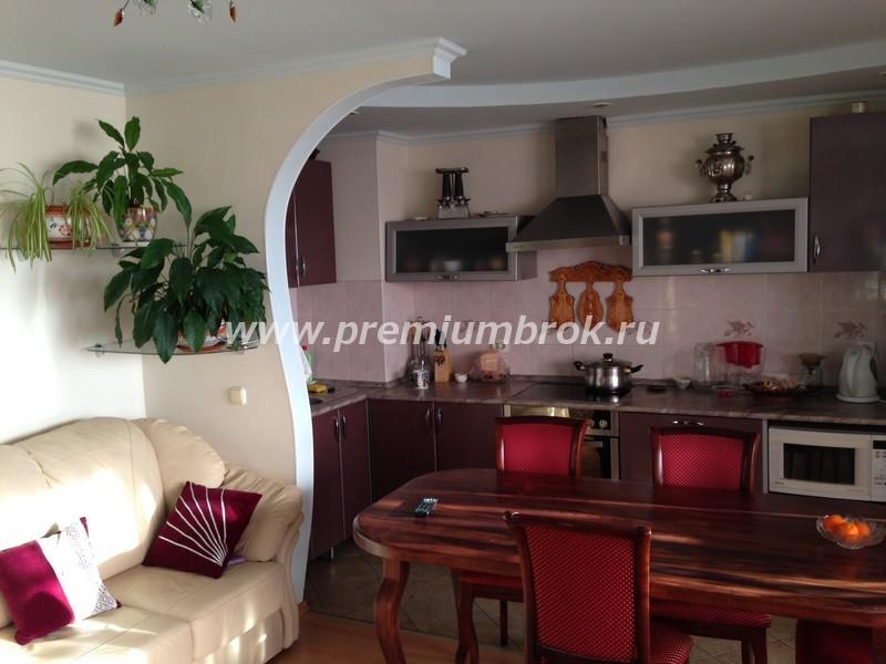 Продается 4-комнатная квартира с отличным ремонтом в кирпичном доме на спартановке (ул н отрады,17)